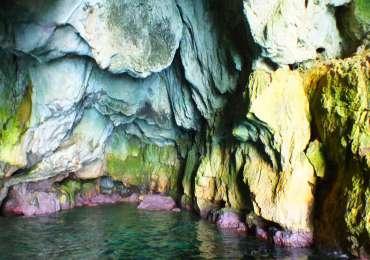 TOUR DECOUVERTE: Tour de l'Ile d'Ortigia et exploration des grottes marines – 1h15